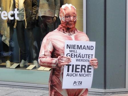 PETA Aktion Gehäutete Menschen © osradio.de